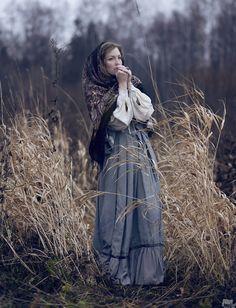 Russian style.  Fall. Traditional. Dress. Scarf. Русский стиль  Платок очень поле   Яна Фельдман