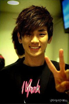 SHINee (샤이니) Key (키)