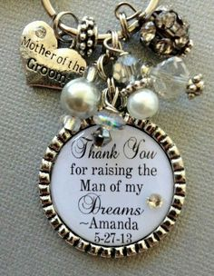 mother of the groom gift. i love this! beautiful, simple, & i know my soon-to-be mother in-law would love this too.