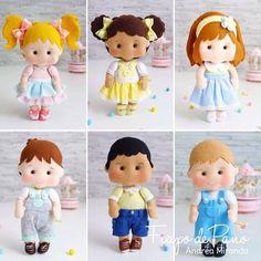 Photo - Her Crochet Felt Doll Patterns, Quiet Book Patterns, Ornament Crafts, Felt Ornaments, Felt Diy, Felt Crafts, Felt Dolls, Baby Dolls, Teddy Bear Drawing