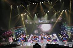 CNET Japanの編集記者が気になる話題のトピックなどを、独自の視点で紹介していく連載「編集記者のアンテナ」。今回は主にエンターテインメント領域を取材している佐藤が担当。今回は人気アニメ「ラブライブ!サンシャイン!!」のキャスト陣による初のワンマンライブ「ラブライブ!サンシャイン!! Aqours First LoveLive! ~Step! ZERO to ONE~」の模様をお届けする。  pined by nyetq