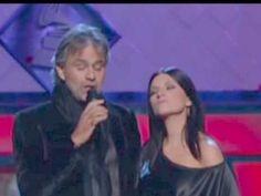 "Laura Pausini y Andrea Bocelli ""Vive ya"" 2009 - YouTube"