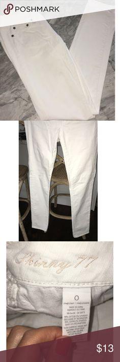 American Eagle White Skinny Jeans Size 0 Skinny 77 American Eagle white jeans size 0. Cute rolled up or not. American Eagle Outfitters Jeans Skinny