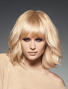 Pictures : Bob Haircuts with Bangs - Bob Haircut With Long Bangs Images: Coupe de cheveux avec frang Medium Blonde Hair, Medium Hair Cuts, Medium Hair Styles, Bob Haircut With Bangs, Hairstyles With Bangs, Straight Hairstyles, Bangs Hairstyle, Blonde Hairstyles, Hairstyle Ideas