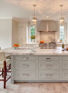 9 foot ceiling cabinets pictures again please kitchens forum gardenweb new home. Black Bedroom Furniture Sets. Home Design Ideas