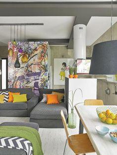Jurnal de design interior - Amenajări interioare : Nonconformism și culoare în casa artistei Anna Kmita