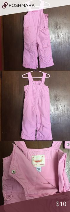 Baby Gap Toddler 18-24 months Pink Snowsuit EUC Baby Gap Toddler 18-24 months Pink Bib Snowsuit EUC excellent used condition. Fleece lined, ankle gaiters, adjustable shoulder snaps for custom length fit, easy legs zip open, fleece lined pockets, no defects GAP Jackets & Coats