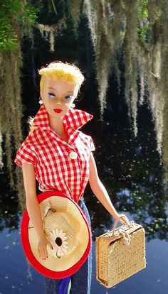 No. 4 Barbie in Picnic Set