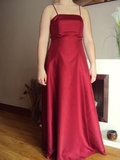 red bridesmaid/evening dress size 10  hire price £25.