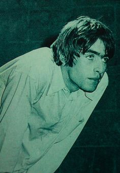 I don't believe in the world outside my room Gene Gallagher, Lennon Gallagher, Liam Gallagher Oasis, Liam Oasis, Liam And Noel, Oasis Band, Leonardo Dicaprio 90s, Skinny Guys, Britpop