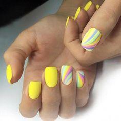 23 Great Yellow Nail Art Designs 2019 - Fingernägel - Best Nail World Yellow Nails Design, Yellow Nail Art, Green Nails, Easy Diy Valentine's Nails, American Nails, Easter Nails, Valentine Nails, Heart Nails, Rainbow Nails
