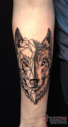 Фото тату Екатерина Смирнова - Тату волки на предлечьях Wolf Tattoos, Wolf Tattoo Forearm, Forearm Band Tattoos, Wolf Tattoo Sleeve, Tattoo Sleeve Designs, Body Art Tattoos, Tribal Tattoos, Sleeve Tattoos, Tattoo Arm Mann
