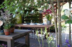 Outdoor dining hasn''t lost its appeal... #gardening #gardendesign #RHSChelsea