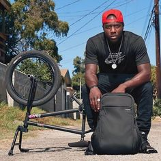 The perfect BMXer's companion.  Incase ICON Pack in Black.  The brand ambassadors : Nigel Sylvester