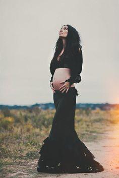 sara larocca-ramm pregnant gothic boho style