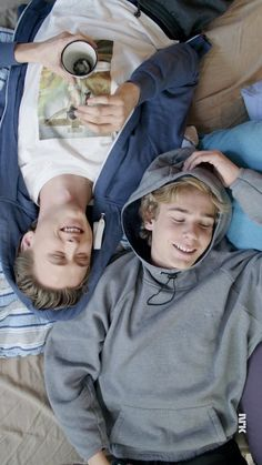 Some cute, cuddly, fluffy Evak one shots that will make every Skam fa… Fanfiction