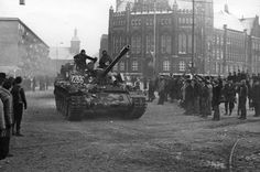 a Polish T-55 tank from 8th Mechanized Div. exiting the Gdansk Shipyard