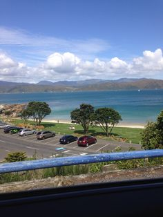 Wellington, Bays