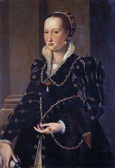 A Young Woman of the Medici Family, ca. 1560 (Allesandro Allori)  Galleria degli Uffizi, Firenze