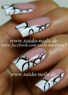 Idee per decorare le unghie