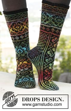 "Knitted DROPS socks with pattern in ""Fabel"". Size 35 - 43. ~ DROPS Design"