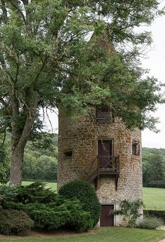 french cottage art studio on canvas Tower House, Castle House, French Country Cottage, French Country Decorating, Beautiful Castles, Beautiful Places, Silo House, Small Castles, Palomar