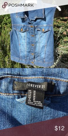 F21 denim vest Size medium denim vest by Forever 21 with gold buttons. Has two top pockets and two side pockets. Only worn a couple times so has no flaws. Let me know if you have any questions! NO TRADES 🤑 Forever 21 Jackets & Coats Jean Jackets