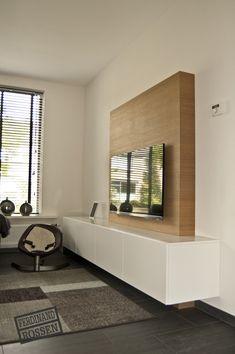 TV meubel - handige koof aan de achterzijde voor kabels en tv op te hangen
