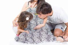 Ensaio fotográfico de Gestante, realizado no estúdio fotográfico Stephânia de Flório em Praia Grande/SP, estúdio especializado em Recém-Nascidos (Newborn) Tags: Grávida, maternity, maternidade, belly, casal, gravidez, família, menina, family, parents, maternity, studio, simple, clean, adorable, contato@stephaniadeflorio.com.br , www.stephaniadeflorio.com.br , session, photoshoot, couple, ideas, pictures, with children, sessão, casal, namorados, marido e mulher, apaixonados,