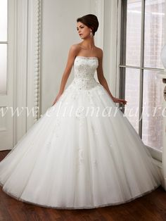 Wedding Dress Lace, Elegant Tulle Strapless Neckline Dropped Waistline Ball Gown Wedding Dress With Beaded Lace Appliques Cute Bridal - Wedding Dresses Lace New York Wedding Dresses, Lace Wedding Dress, Bridal Dresses Online, Designer Wedding Gowns, Sexy Wedding Dresses, Cheap Wedding Dress, Wedding Bride, Bridal Gowns, Lace Dress