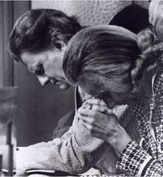A Model Of Marriage Partnership: The Lifelong Love Of Ruth and Billy GrahamRuth and Billy Graham Pray Together