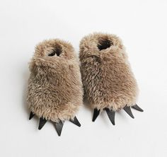 Eileen Renger Kundin : Baby Bear Slippers - Fuzzy Mocha with Dark Claws