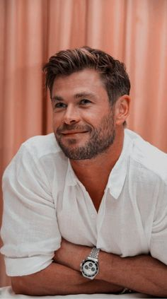30 dni z Chrisem Hemsworthem # Fanfiction # amreading # books # wattpad Chris Hemsworth Shirtless, Liam Hemsworth, Hemsworth Brothers, Man Thing Marvel, Marvel Actors, Celebs, Celebrities, Beard Styles, Haircuts For Men