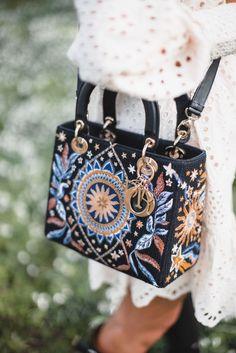 Purses 404761085260862077 - – Dior Bag – Ideas of Dior Bag – Source by meenizer Dior Handbags, Cute Handbags, Cheap Handbags, Purses And Handbags, Popular Handbags, Brown Handbags, Ladies Handbags, Wholesale Handbags, Handbags Online