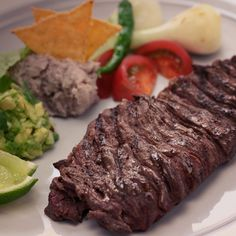 Aunque no estemos de vacaciones, disfrutemos del sabor de Tampico. Ve nuestra receta de Carne asada a la Tampiqueña:   http://www.lacostena.com.mx/recetario/saludable/carnes/carne-asada-a-la-tampiquena.html