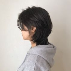 Asian Short Hair, Short Hair Cuts, Japanese Short Hairstyle, Asian Haircut Short, Short Hair Korean Style, Korean Haircut, Girl Short Hair, Medium Hair Styles, Curly Hair Styles
