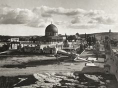 size: Giclee Print: The Mosque of Omar on the Site of the Ancient Temple, Bethlehem, Israel, 1926 : Artists Nature Pictures, Old Pictures, Kingdom Of Jerusalem, Dome Of The Rock, Temple Mount, London Clubs, Beach Landscape, Ways Of Seeing, Giclee Print