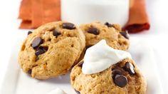 Biscuits à la patate douce et aux pépites de chocolat   Recettes IGA   Dessert, Légumes, Recette facile