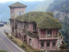 The Most Beautiful Abandoned Hotel: Hotel del Salt, Colombia