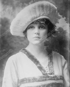 Victorian Girl In Beret With Doe Eyes 8x10 Reprint Of Old Photo Victorian Girl In Beret With Doe Eyes 8x10 Reprint Of Old Photo Here is a neat collectible featuring a victorian girl wearing a beret wi
