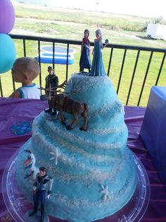 Frozen mountain cake Tweets Bakery