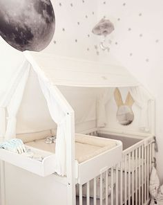 The compact nursery solution that fits your sun, moon, and all of your stars for baby (and then some) ⭐ Learn more about the Stokke Home Nursery collection