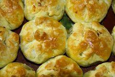 kelt tészta Archives - ÍZŐRZŐK Sprouts, Hamburger, Bread, Vegetables, Food, Brot, Essen, Vegetable Recipes, Baking
