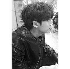 kmg // black and white // bnw Mingyu Wonwoo, Seungkwan, Woozi, Kim Min Gyu, Choi Hansol, Won Woo, Mingyu Seventeen, Vernon Seventeen, Seventeen Wallpapers