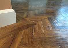 Keeping Hard Wood Flooring Looking Its Best Karndean Flooring, Hall Flooring, Wooden Flooring, Vinyl Flooring, Flooring Ideas, Dark Laminate Floors, Hardwood Floor Colors, Light Hardwood Floors, Wood Floor Kitchen