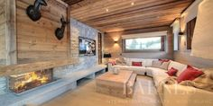 Location Chalet ICEBERG 12 personnes Megève 74120 Ski Chalet Decor, Contemporary Cabin, Rustic Apartment, Wooden Cabins, Fireplace Remodel, Fireplace Design, Log Homes, Interior Design Inspiration, Home Living Room