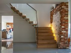 EeStairs | trappen en balustrades (Project) - Zwevende trap in omgebouwde schuur - PhotoID #263858 - architectenweb.nl
