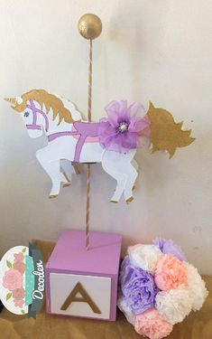 Party Unicorn centerpiece, horse, carousel horse-Baby shower * Golden unicorn centerpiece is all handmade. * Golden horse centerpiece is all handmade. * Carousel Request your personalized order. The unicorn is hand drawn, hand cut and hand painted. Wide: 15 in High 25 19⁄32in Carousel Birthday Parties, Carousel Party, Unicorn Birthday Parties, Unicorn Party, Horse Baby Showers, Unicorn Baby Shower, Twin First Birthday, Girl Birthday, Horse Party Decorations