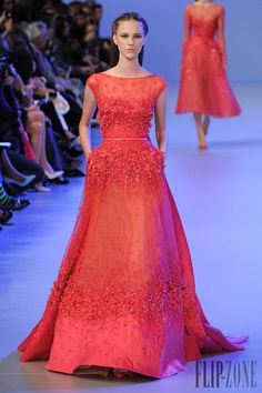 Belle of the Ball Burnt Orange Evening Gown by Elie Saab Spring-summer 2014 - Couture - http://www.flip-zone.net/fashion/couture-1/fashion-houses/elie-saab-4455 - ©PixelFormula