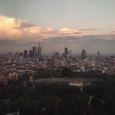 #torrebranca #milano2015 #milano #parcosempione #milan #italy #grattacieli #skyscrapers #sky #instaplaces #instalike #instagood #igmilano #igermilano #igitaly #igitalia #igeritalia #expomilano2015 #sky #sunset #milanodavedere #landscape #panoramamilanese #torrelittoria by dorella87